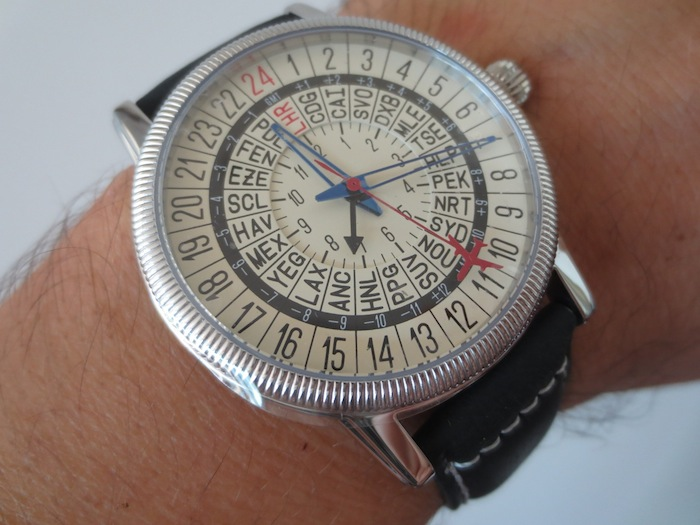 985ee85202c Although all the of No-Watch models are pretty interesting my personal  favourite is the Traveler CL1-1111. For a watch retailing at only  280 it  does ...